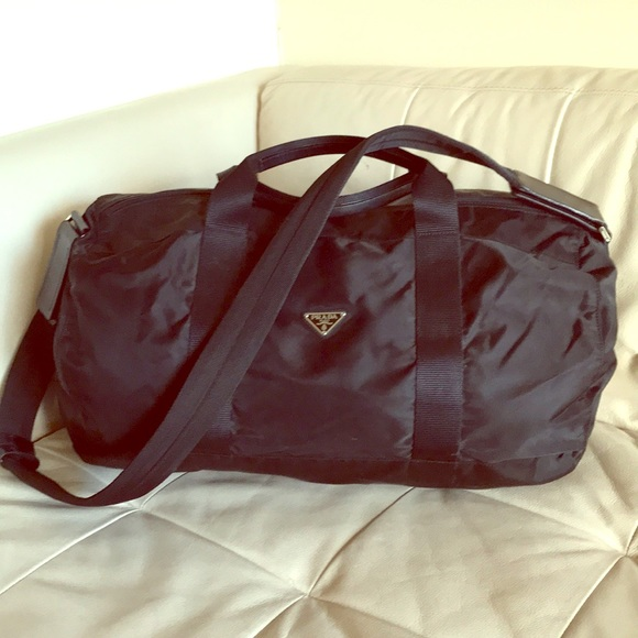 63ff758af39c Prada Vintage Black Carryall Gym Travel Duffle Bag.  M 5c07eded12cd4abed4f582da